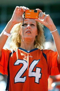 NFL finding success in targeting women fans through merchandise 23acc3405