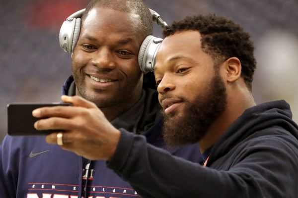 a1d2e60b5 A potential Bennett brothers pairing could take place in New England, with  Martellus, left