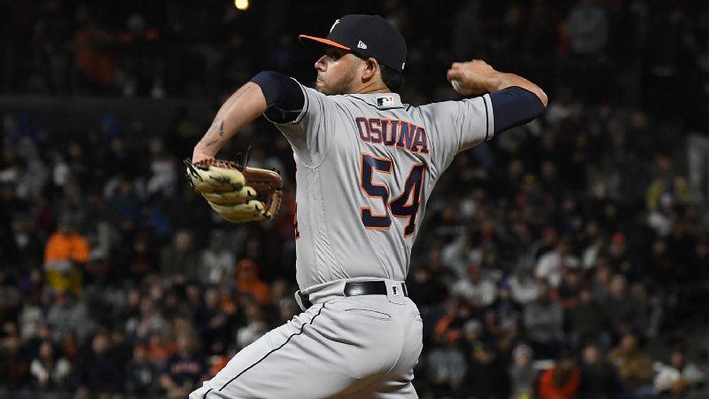 super popular 1d7b7 9fb76 Roberto Osuna makes Houston Astros debut, tosses perfect ...