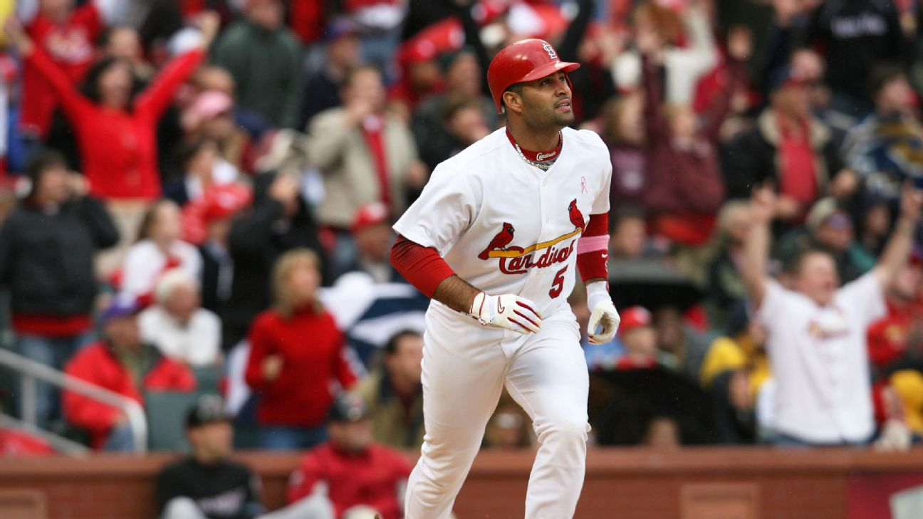 Albert Pujols had a career-high 49 homes runs and 137 RBIs in 2006.