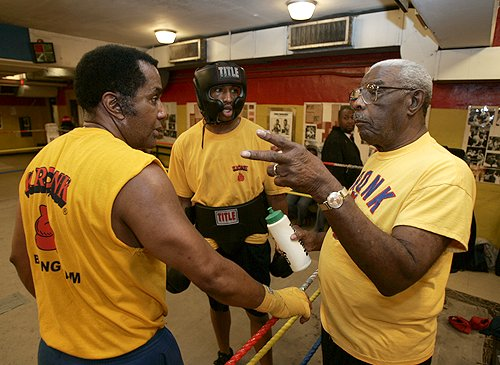 Emanuel Steward/boxer (in headgear)/Walter Smith