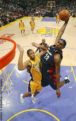 lebron james free throw dunk