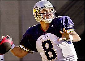 los angeles xtreme quarterback tommy maddox played in his first xfl game sunday the xtreme lost to the san francisco demons 15 13