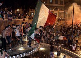 Italy fans