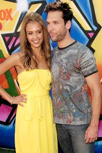 Dane Cook and Jessica Alba