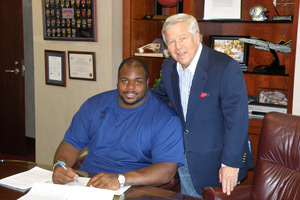 Vince Wilfork and Robert Kraft
