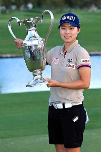 Sun Young Yoo won the Kraft Nabisco Championship with an 18-foot birdie putt on the first playoff hole Sunday. It is her second career LPGA Tour victory.