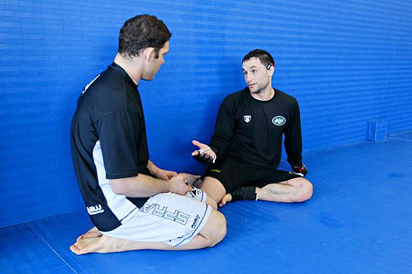 Almeida coaching UFC Frankie Edgar