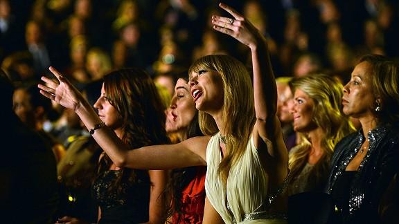 Taylor Swift Yoga Pants Taylor swift