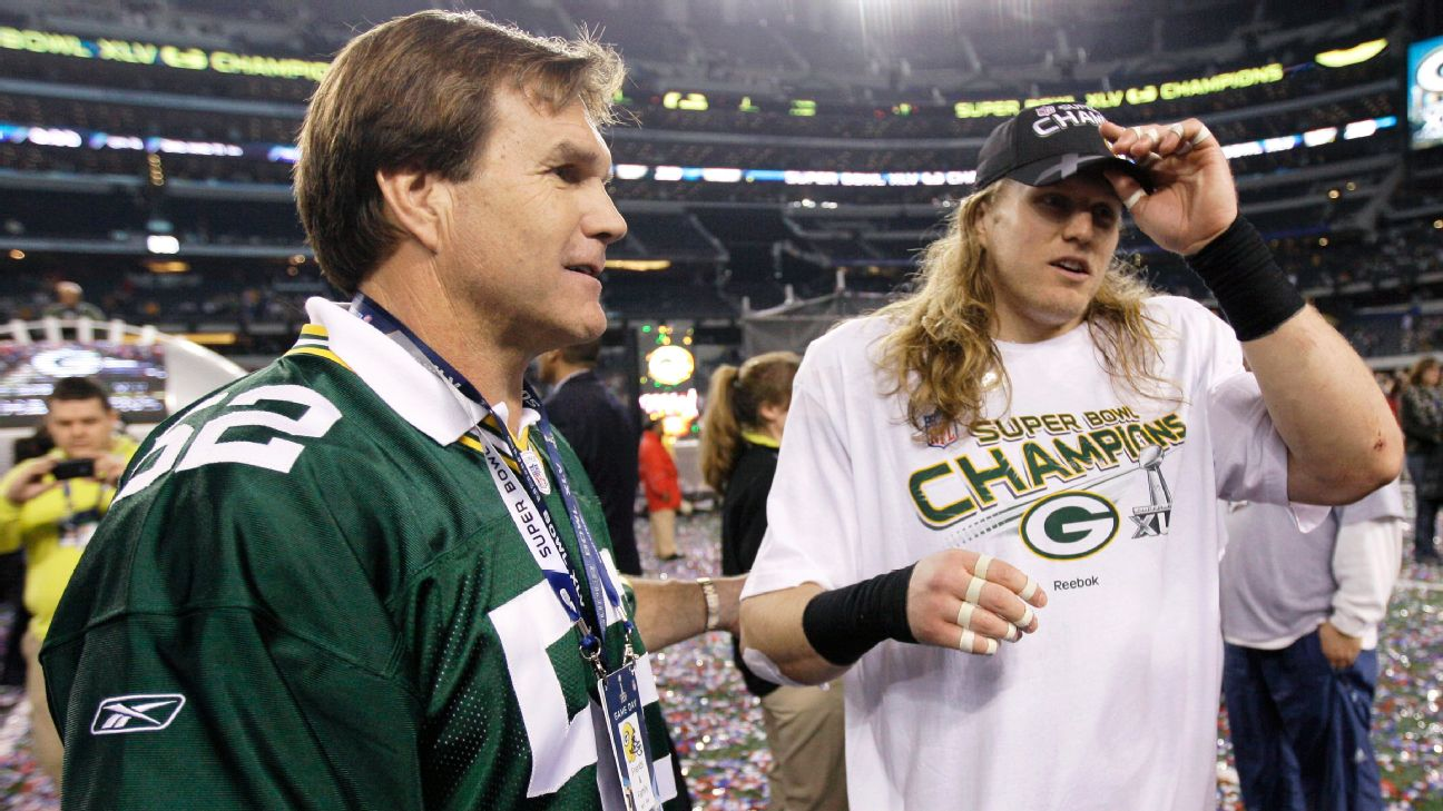 Clay Matthews (right) enjoys a moment with his father, Clay Matthews Jr., after the Packers won the Super Bowl in 2011.