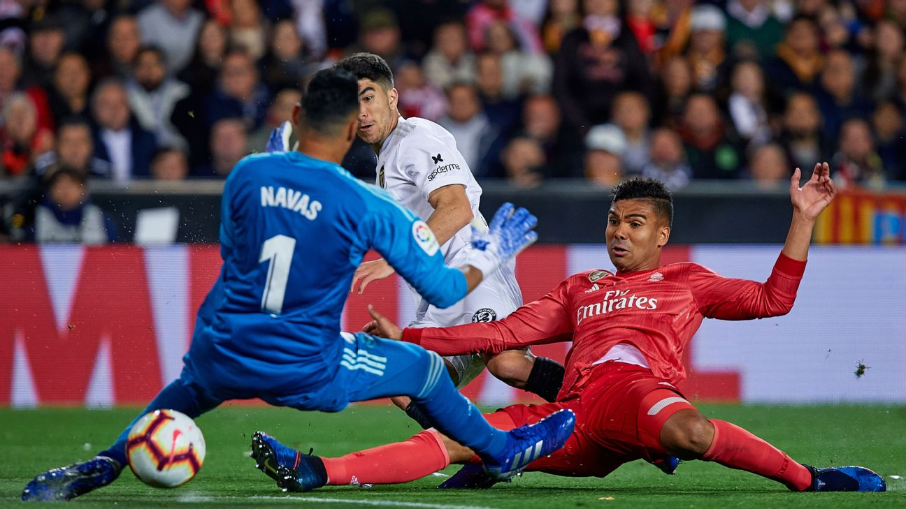 Real are another big team reliant upon a holding midfielder to do the important work that makes the stars shine. Casemiro, right, is that guy.